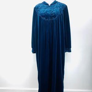 Delicates Woman Blue Premium Housecoat Robe 2X